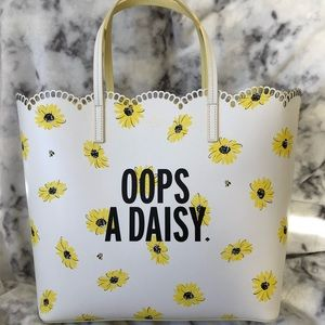 Kate spade Oops a Daisy large tote